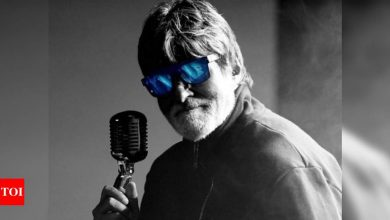Amitabh Bachchan channels his inner rockstar in latest picture - Times of India