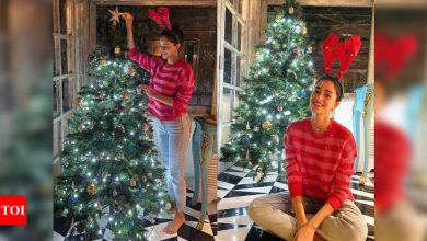 Ananya Panday looks absolutely pretty in THESE pictures from her Christmas celebration - Times of India