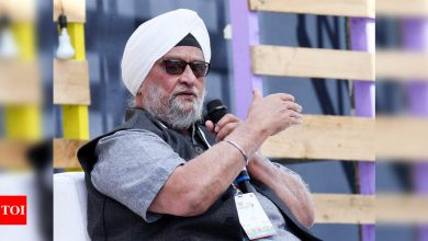 Angry with idea of Arun Jaitley statue at Feroz Shah Kotla, Bishan Singh Bedi asks DDCA to remove his name from stands, quits membership | Cricket News - Times of India