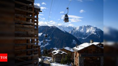 British tourists sneak out of Swiss ski resort - Times of India