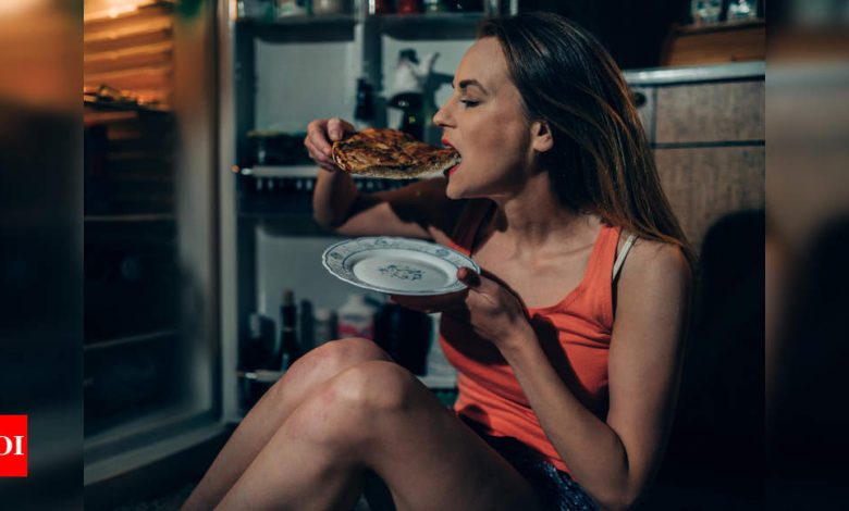 Can eating late at night increase risk of cancer? - Times of India
