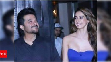 Disha Patani shares an adorable birthday post for 'Malang' actor Anil Kapoor; calls him 'my fittest co-star' - Times of India