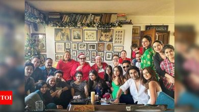 "Exclusive! ""We missed Rishi Kapoor very much and wished he was here,"" says Randhir Kapoor about the annual X'mas lunch - Times of India"