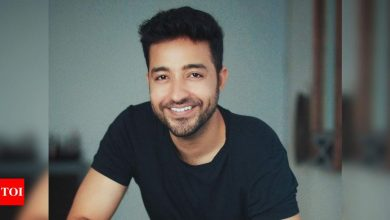 #GoodBye2020! 'Tiger Zinda Hai' actor Paresh Pahuja says his goal for 2021 is to work with THIS filmmaker - Times of India