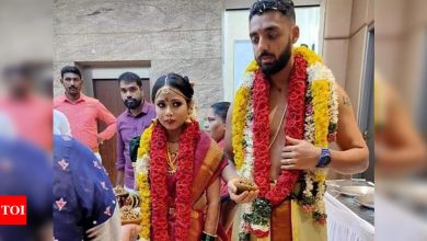 KKR spinner Varun Chakaravarthy ties the knot with girlfriend Neha Khedekar | Off the field News - Times of India
