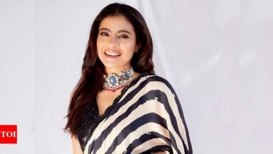 Kajol prays for a 'better world and a better tomorrow' as she shares seasons greeting for all her fans - view post - Times of India