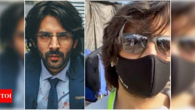 Kartik Aaryan shares a fun video from the sets of 'Dhamaka' - Times of India