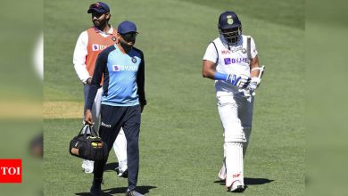 Mohammed Shami:  India vs Australia: Mohammed Shami suffers wrist injury, taken to hospital for scans | Cricket News - Times of India