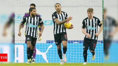 Newcastle United held to 1-1 draw by 10-man Fulham | Football News - Times of India