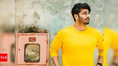 PHOTOS: Arjun Kapoor spreads the ray of sunshine on social media with his latest post - Times of India