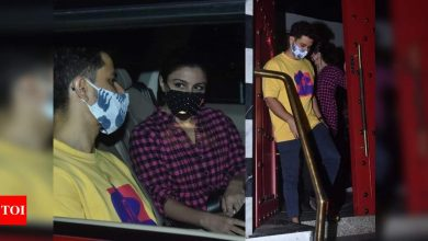 Photos: Kunal Kemmu and Soha Ali Khan enjoy a dinner date in the city - Times of India