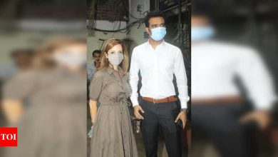 Spotted: Sussanne Khan to renovate the Bandra Police station, arrives for a recce with IAS officer Abhishek Singh - Times of India