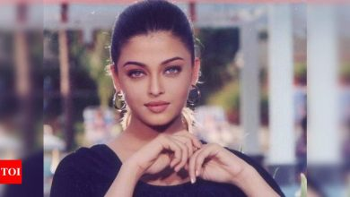 Throwback: Aishwarya Rai looks mesmerising in this unseen photo; fan calls her 'Woman crush everyday' - Times of India