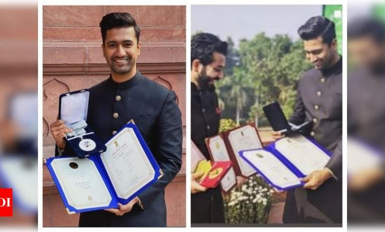 Vicky Kaushal and director Aditya Dhar celebrate one year of National Award win for their film 'Uri: The Surgical Strike' - Times of India