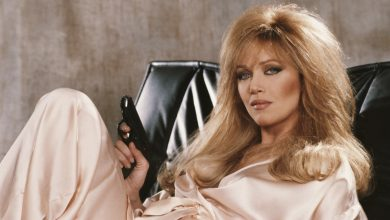 Tanya Roberts, Bond Girl and 'That '70s Show' Star, Dead at 65