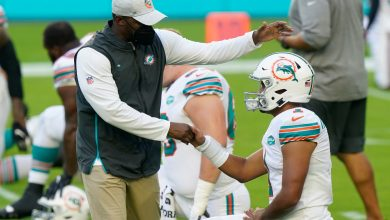 Brian Flores doubles down on Dolphins' Tua Tagovailoa support