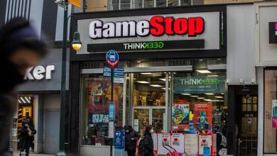 Robinhood, hedge funds and short squeezes: Key points to know about the GameStop insanity
