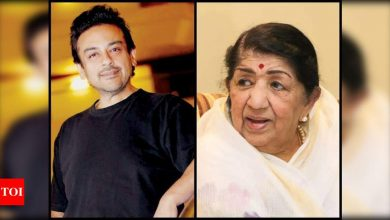 Adnan Sami hits back at a Twitter user who said Lata Mangeshkar doesn't have a good voice; says 'bandar kya jaane adrak ka swaad' - Times of India