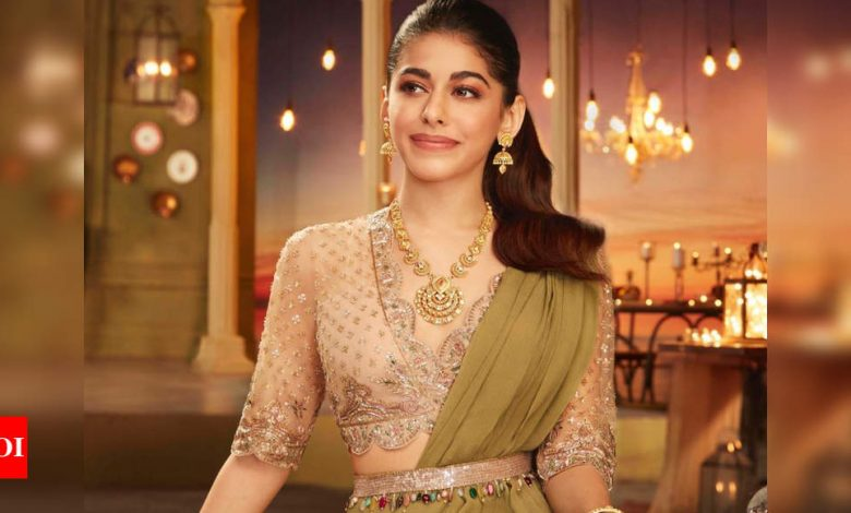 Alaya F's green ruffled sari and champagne blouse cost a little less than INR 1 lakh and it's a smashing combo - Times of India