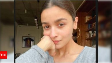Alia Bhatt has Ranbir Kapoor's lucky jersey framed? Find out - Times of India