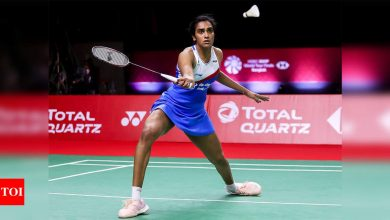 BWF World Tour Finals: Sindhu wins her last league match, Srikanth loses | Badminton News - Times of India