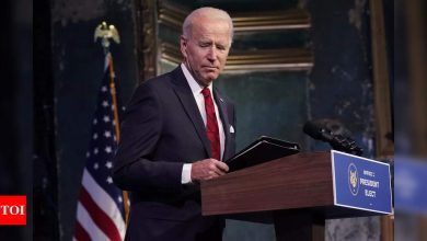 Biden plans 'thousands' of community vaccination centers - Times of India