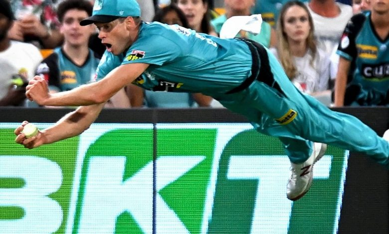 Big Bash League 2020-21: Ben Laughlin Takes Stunning Catch, Wows Fans and Commentators Alike