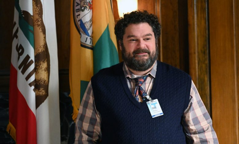 Bobby Moynihan on how Tina Fey helped him land 'Mr. Mayor' role