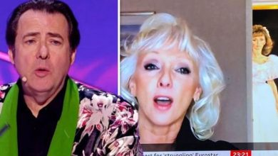 Debbie McGee brutally mocked by Jonathan Ross over distracting art in BBC News interview