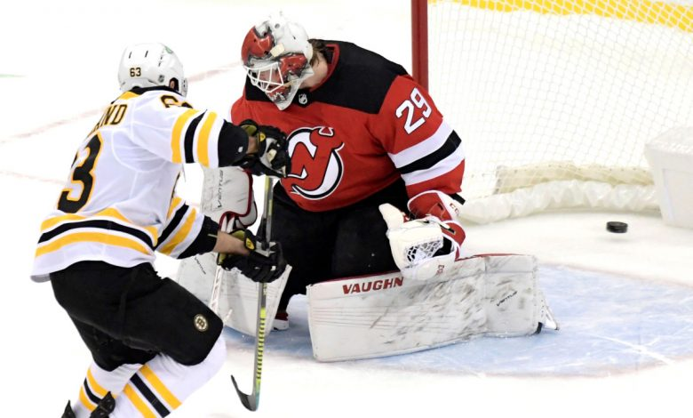 Devils fall to Bruins in shootout in Lindy Ruff's debut