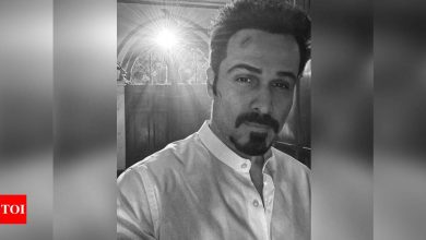 Emraan Hashmi shares intriguing glimpse from night shoot - Times of India