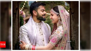 Following the birth of his baby girl, Virat Kohli changes his Twitter bio and it is simply too sweet for words - Times of India