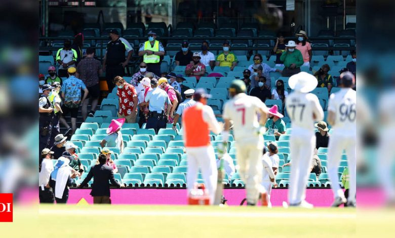 India vs Australia 3rd Test: Indian cricketers subjected to abuse again, spectators evicted from SCG | Cricket News - Times of India