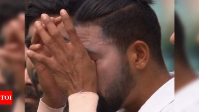 India vs Australia, 3rd Test: Teary-eyed Siraj remembers late father during national anthem   Cricket News - Times of India