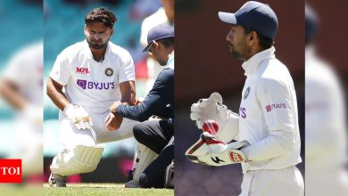 India vs Australia: Wriddhiman Saha to keep wickets as Rishabh Pant taken for scans after injuring left elbow | Cricket News - Times of India