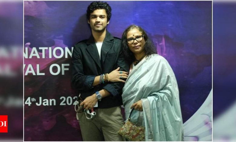 Irrfan's wife Sutapa and son Babil at IFFI; here's what Sutapa said after watching Paan Singh Tomar - Times of India