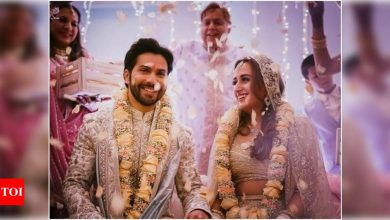 JUST MARRIED! Varun Dhawan and Natasha Dalal tie the knot - Times of India