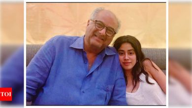 Janhvi Kapoor reveals she once lied to father Boney Kapoor and took a secret trip to Las Vegas - Times of India