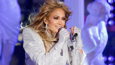 Jennifer Lopez Cries During Her New Year