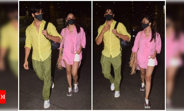Kiara Advani and Sidharth Malhotra snapped at the Mumbai airport as they return from the Maldives - Times of India