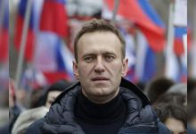 Kremlin foe Navalny faces arrest as flies back to Russia - Times of India