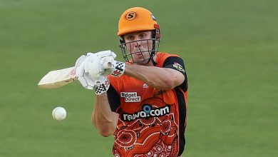 Mitchell Marsh, Colin Munro and Andrew Tye demolish Sydney Sixers