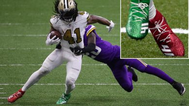 NFL fines Alvin Kamara for wearing Christmas-themed cleats on Christmas