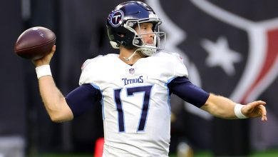 NFL playoff predictions: Ryan Tannehill makes Titans the pick
