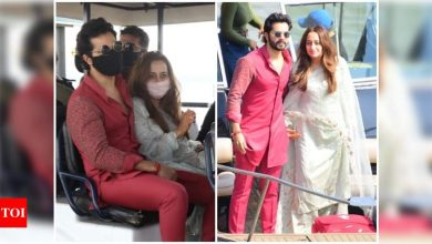 PICS: Newlyweds Varun Dhawan and Natasha Dalal return to Mumbai - Times of India