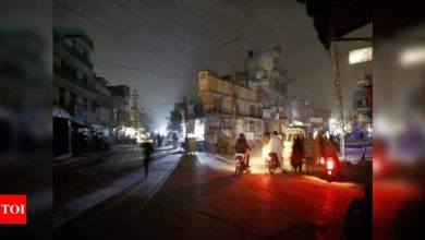 Pakistan suspends power plant staff after nationwide blackout - Times of India