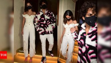 Photos: Ananya Panday and Ishaan Khatter walk hand-in-hand as they leave Deepika Padukone's birthday bash - Times of India