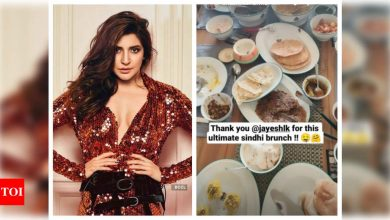 Photos: Soon-to-be-mom Anushka Sharma relishes a Sindhi feast at home - Times of India