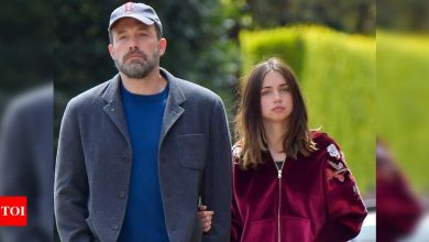 Post break-up, Ana de Armas' cut-out spotted in Ben Affleck's trash - Times of India