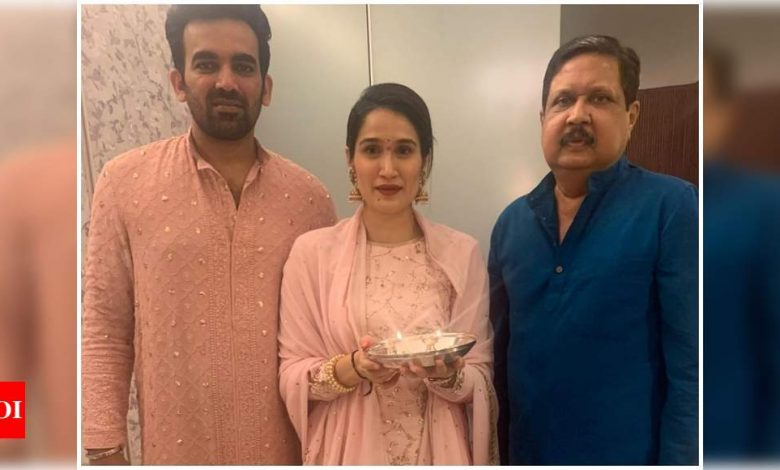 Sagarika Ghatge pens an emotional note for her late father; says 'I am feeling a void which will never be filled' - Times of India
